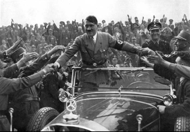 Hitler in car